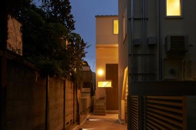 ecu_中庭を囲む6戸長屋